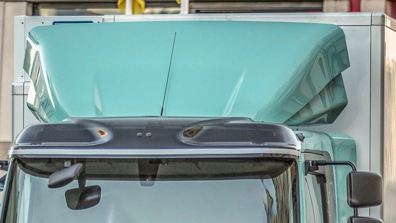 Volvo FL roof air deflector